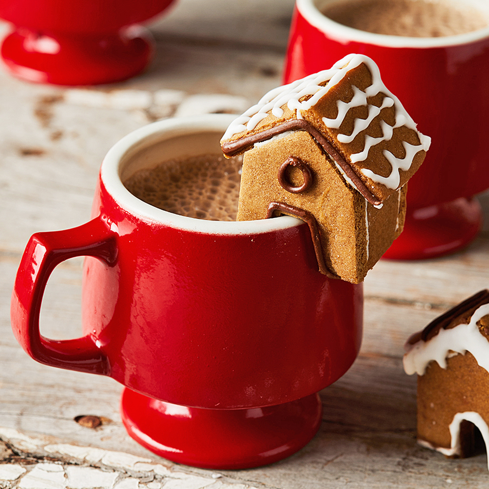 These Mini Gingerbread Houses Are Almost Too Cute for Their Own Good