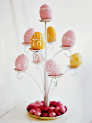 Easter_Decorative egg display tree