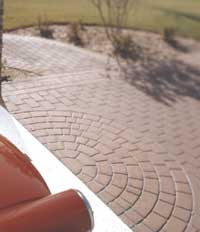 semicircular detail near garage