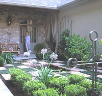 Entry garden patio with plants