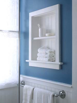 HHBath05_Colonial Blue Bathroom With Inset White Paneled Shelf