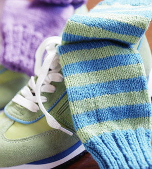 Blue and green knit socks from 3 socks article