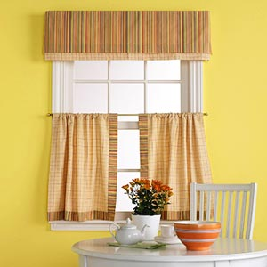 Café curtain and layered valance