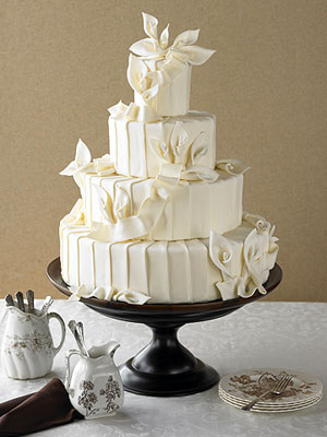 White Wedding Cakes Pictures