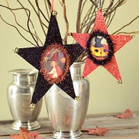 Halloween vase with hanging star photo frames
