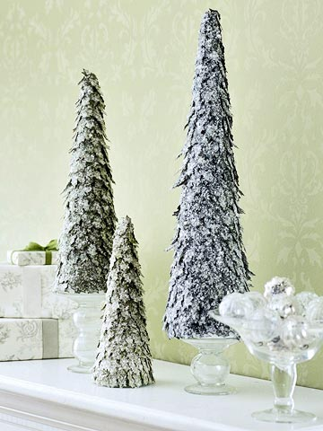Decorative Christmas tree figures
