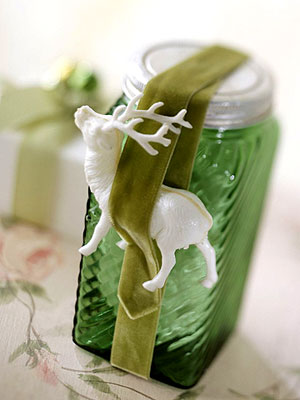 reindeer green jar decoration