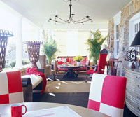 Porch layout, white and red