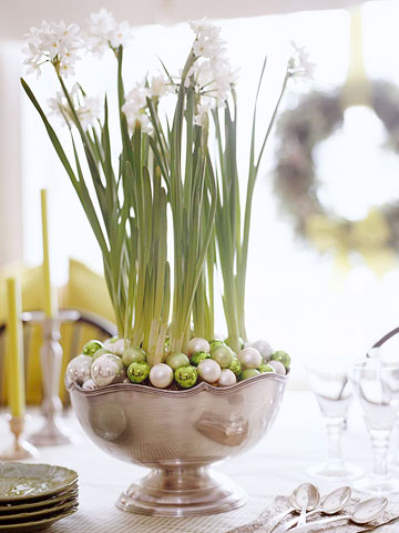 centerpiece of paperwhites