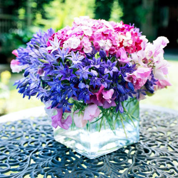 bouquet of sweet peas and sweet William