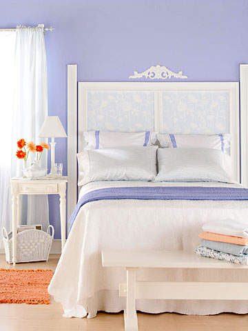 diy home staging tips: pick a paint color with personality -- periwinkle