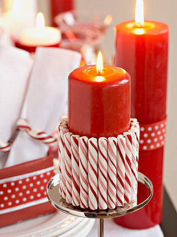 candy cane rimmed candle
