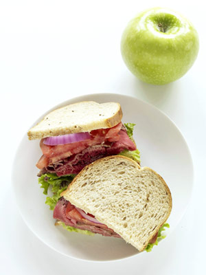 apple and sandwich
