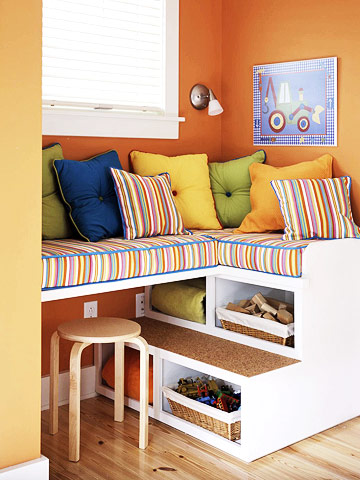 window seat w/storage