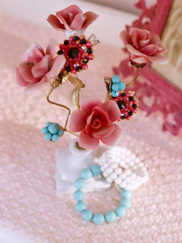 rosebud jewelry holder