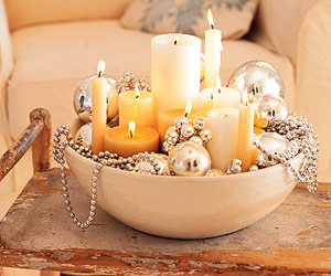 candles in bowl with silver balls