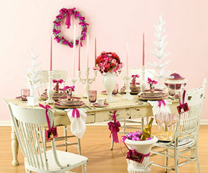 White table with pink and white decorations