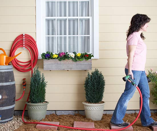 Watering hose with sprayer