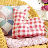 Red-and-white checked cat pillow, sewing