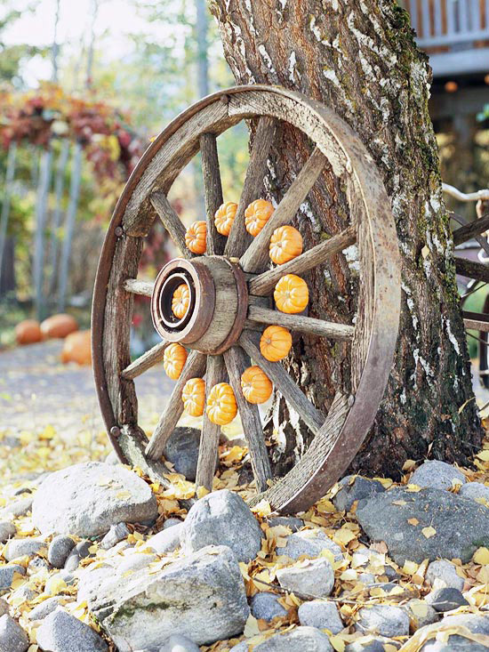 Wooden spoke wheel