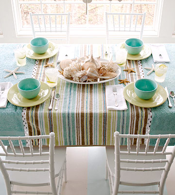 Table cover with bath towels