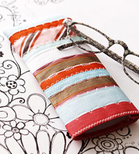 Glasses case made from ribbon scraps and machine-stitching