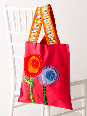 Felt tote bag embellished with flowers, easy to sew