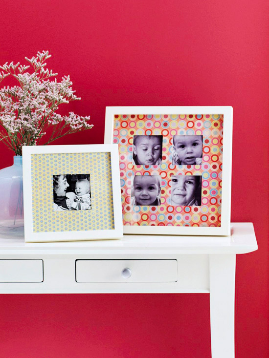 Picture frames with patterned paper photo mats
