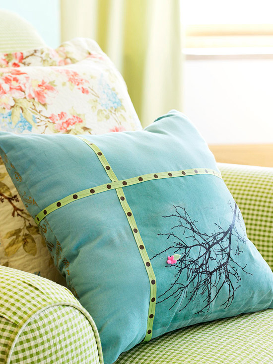 Tree pattern on pillow using transferable paper