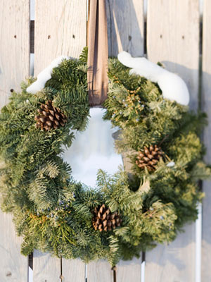 Outdoor wreath with pinecones