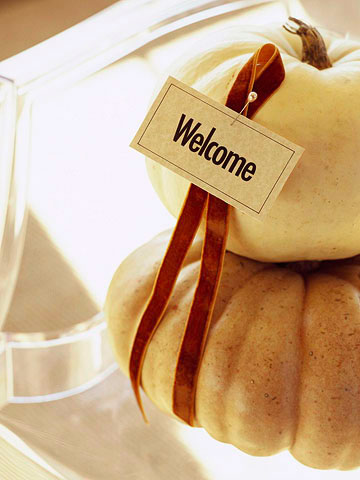 Gourds with ribbon and welcome
