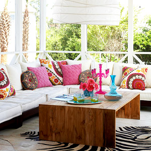 Throw Pillows in sunroom