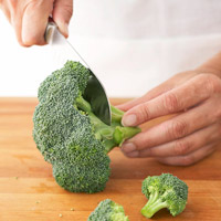Cutting Broccoli florets