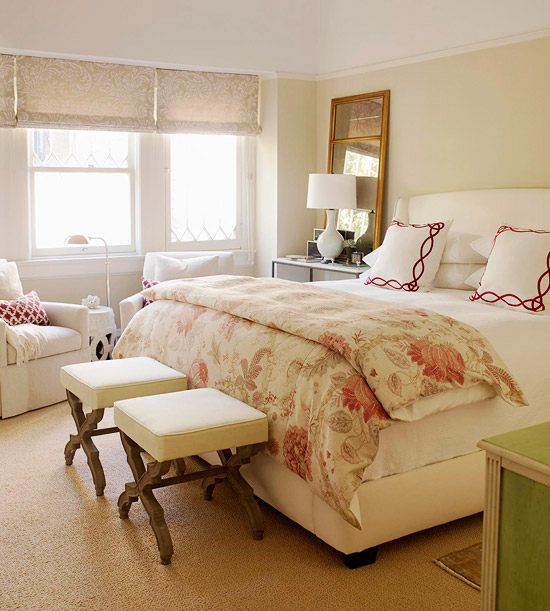 Cream, pink & red bedroom