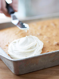 Spreadable frosting