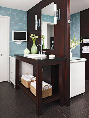 Easily Accommodating Bathroom