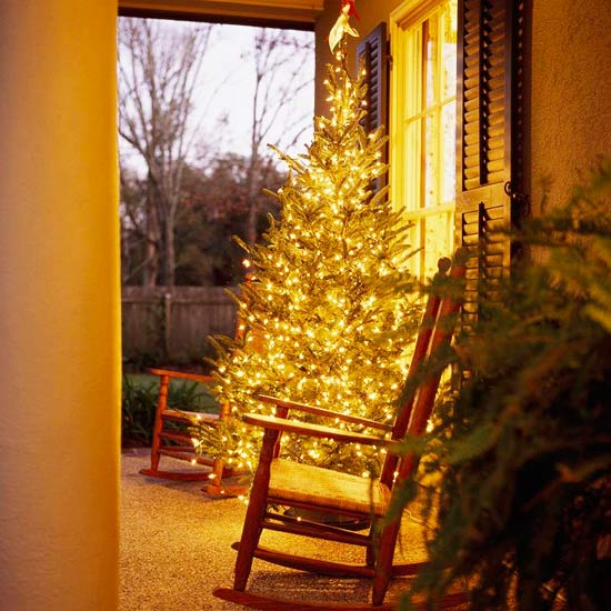 Cheery Christmas porch