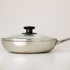 Saut&eacute; pan