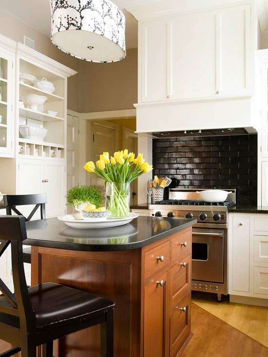 Today 39 s idea add a backsplash to your kitchen counter decogirl montreal home decorating blog Kitchen backsplash ideas bhg