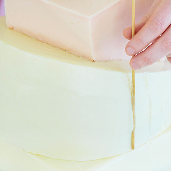 Mark Vertical Lines on Round Cake Layer