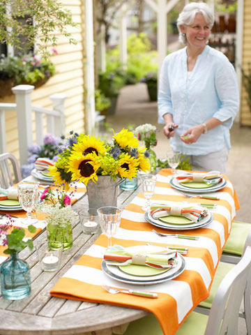 Easy Outdoor Entertaining Tips and Ideas from Better Homes and Gardens