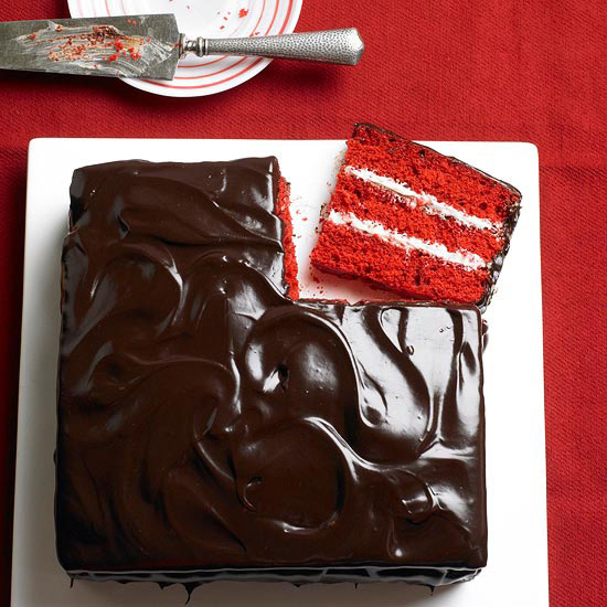 Chocolate and Vanilla Red Velvet Cake