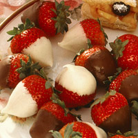 Chocolate-Dipped Berries