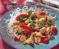 Image of Asian Noodles With Chicken Stir-fry, Better Homes and Garden