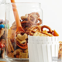 Crunchy Cracker Snack Mix