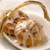Cinnamon Rolls with a Maple-Nut Variation