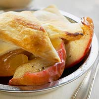 Baked Apple Shortbread with Pepper Cream