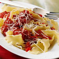 Pasta with Red Pepper Sauce
