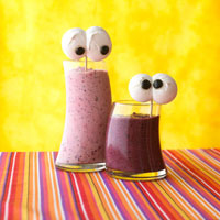 Spooky Banana-Berry Smoothies