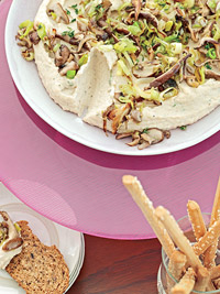 White Bean Hummus with Leeks and Mushrooms